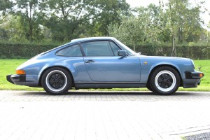 Porsche 911 3.2 '88 tauben blau