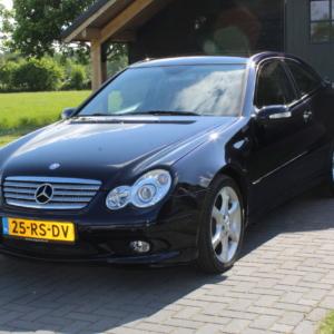 Mercedes C350 (CLC 350)