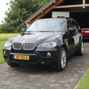 BMW X5 4.8 M (E70) 24039 km